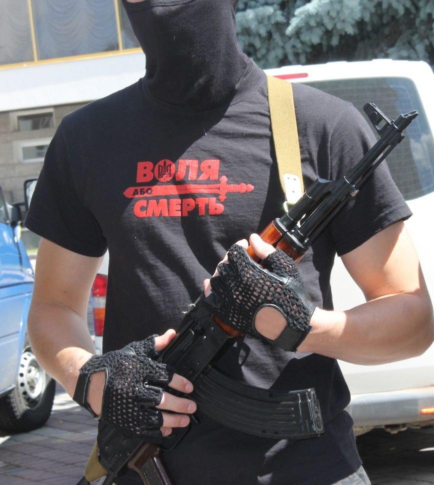 «Повертайтесь живими та здоровими» - Луцьк проводжає бійців «Правого сектору» на Схід, фото-3