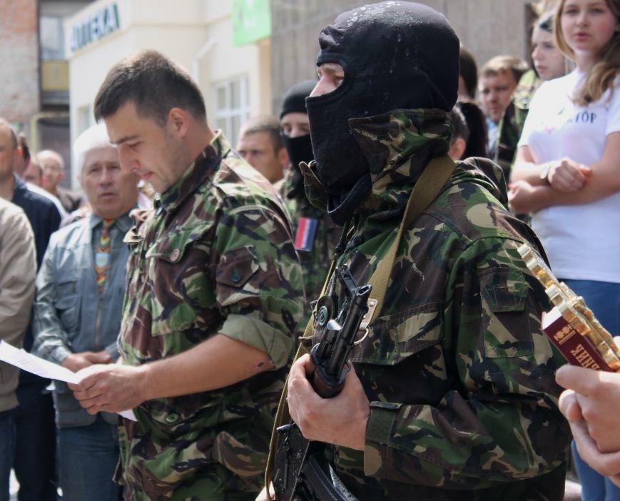 «Повертайтесь живими та здоровими» - Луцьк проводжає бійців «Правого сектору» на Схід, фото-12
