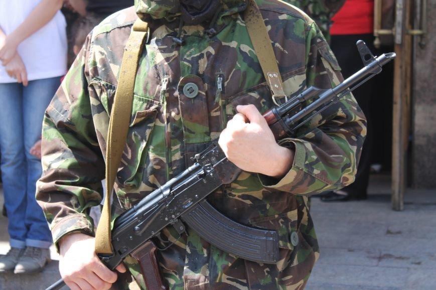 «Повертайтесь живими та здоровими» - Луцьк проводжає бійців «Правого сектору» на Схід, фото-6