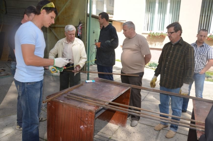 Фото сонячного колектора, який нагріє воду у львівській школі та зекономить дорогий газ (фоторепортаж), фото-2