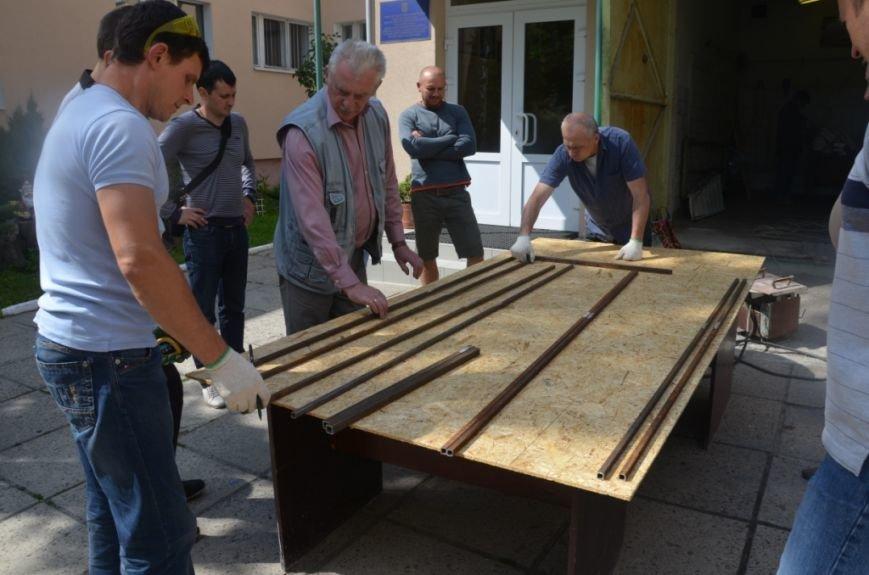 Фото сонячного колектора, який нагріє воду у львівській школі та зекономить дорогий газ (фоторепортаж), фото-3