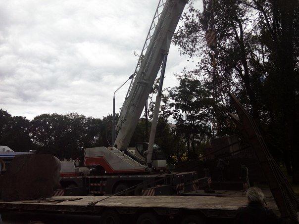 Вместо демонтированного Ленина в Днепропетровске установят памятник погибшим в сбитом Ил-76 десантникам - Цензор.НЕТ 7546