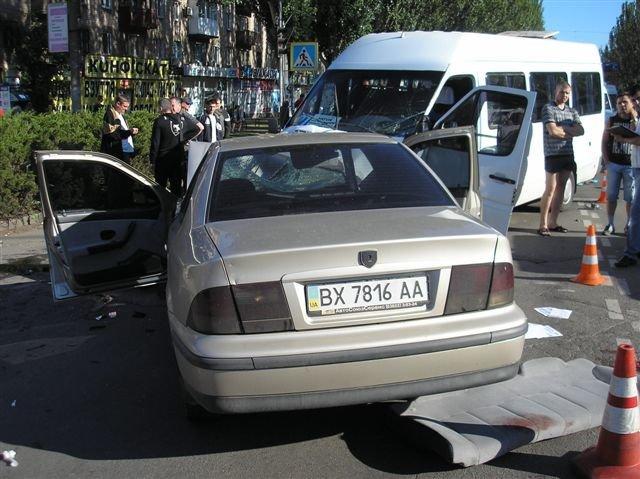В Кривом Роге «Мерседес» влетел в маршрутку с пассажирами.  12 пострадавших (ФОТО, ДОПОЛНЕНО), фото-4