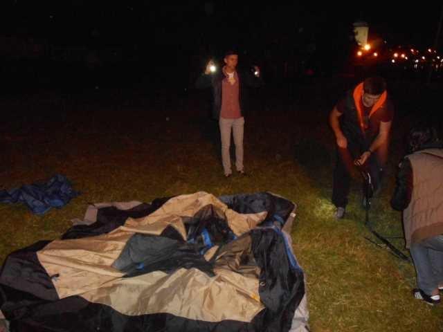 Вночі у Тернополі на «Острівку кохання» – ловили «сепаратистів» (фото), фото-2