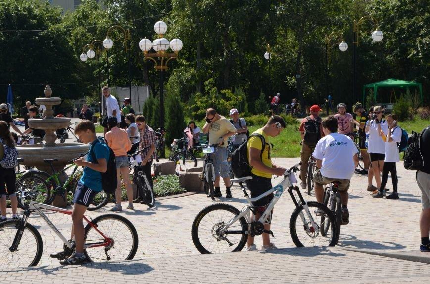 В Мариуполе более 100 велосипедистов проехались по центральным улицам (ФОТОРЕПОРТАЖ), фото-1