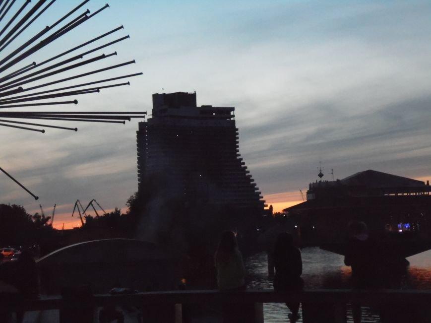 Как в Днепропетровске герб Украины на «Парусе» светился (ВИДЕО, ФОТО), фото-10
