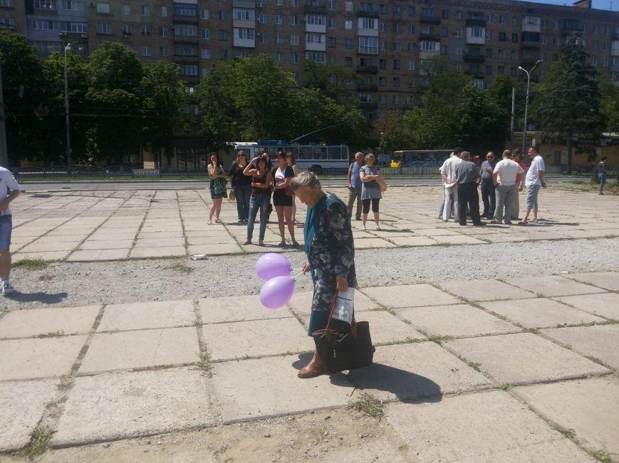 Мариупольцы собрали для беженцев из Славянска и Краматорска одежду, еду и медикаменты (ФОТОРЕПОРТАЖ), фото-36