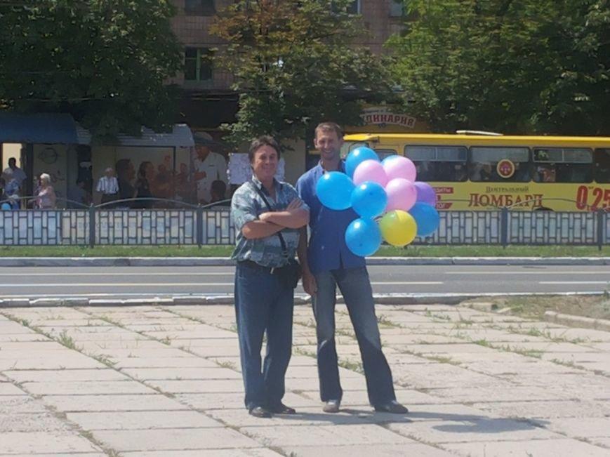 Мариупольцы собрали для беженцев из Славянска и Краматорска одежду, еду и медикаменты (ФОТОРЕПОРТАЖ), фото-35