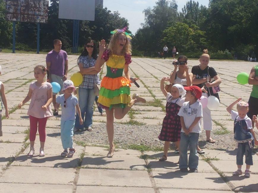 Мариупольцы собрали для беженцев из Славянска и Краматорска одежду, еду и медикаменты (ФОТОРЕПОРТАЖ), фото-7