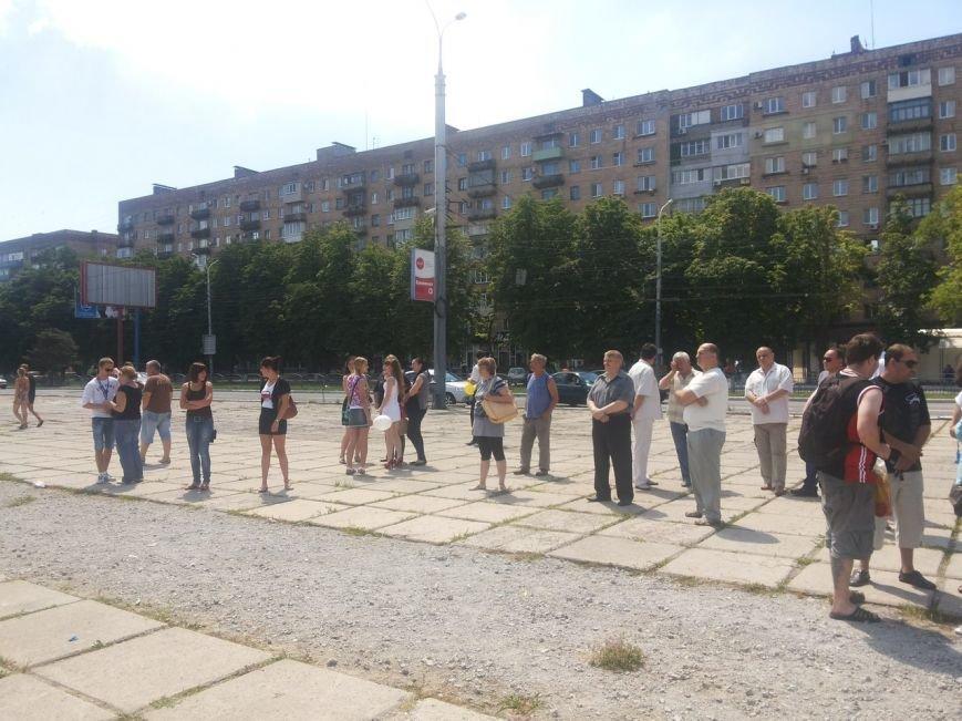 Мариупольцы собрали для беженцев из Славянска и Краматорска одежду, еду и медикаменты (ФОТОРЕПОРТАЖ), фото-22