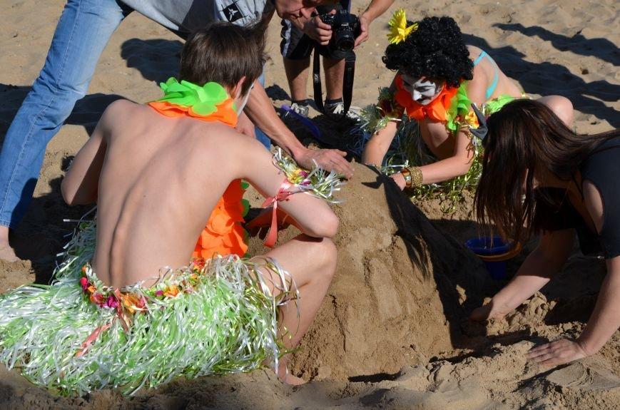 В Мариуполе на пляже жители лепили слона, черепаху, русалку и драматический театр (ФОТОРЕПОРТАЖ), фото-29