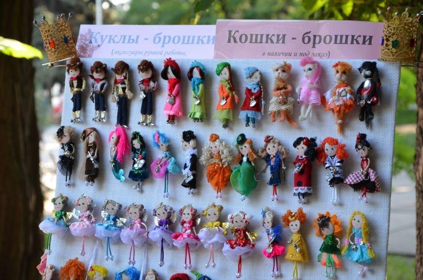 Мариупольские мастерицы показали своих кукол, украшения и расписные бутылки (ФОТО), фото-15