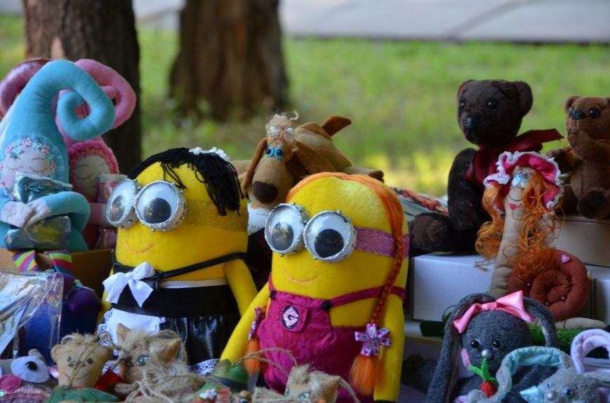 Мариупольские мастерицы показали своих кукол, украшения и расписные бутылки (ФОТО), фото-12