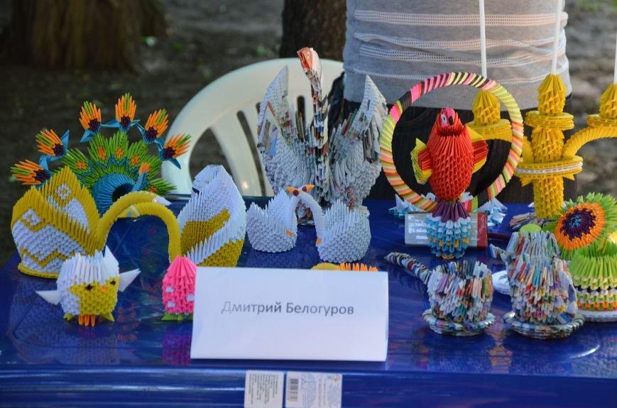 Мариупольские мастерицы показали своих кукол, украшения и расписные бутылки (ФОТО), фото-6