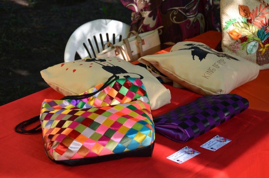 Мариупольские мастерицы показали своих кукол, украшения и расписные бутылки (ФОТО), фото-5