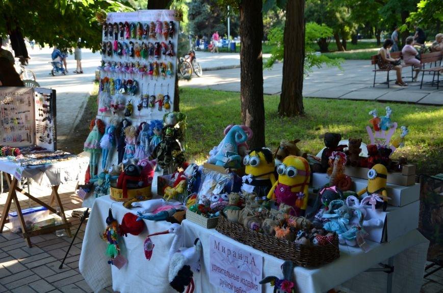 Мариупольские мастерицы показали своих кукол, украшения и расписные бутылки (ФОТО), фото-13