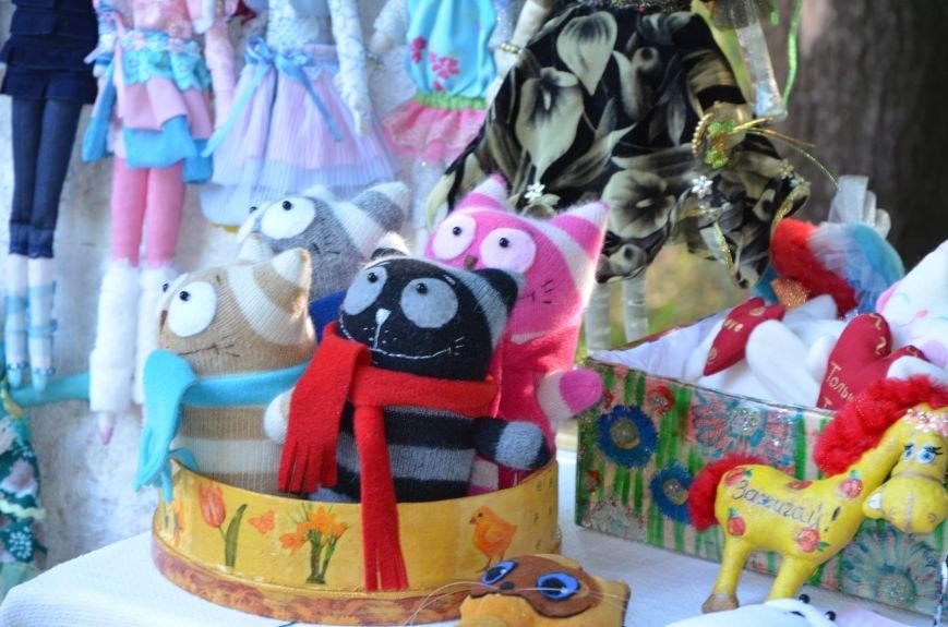 Мариупольские мастерицы показали своих кукол, украшения и расписные бутылки (ФОТО), фото-14