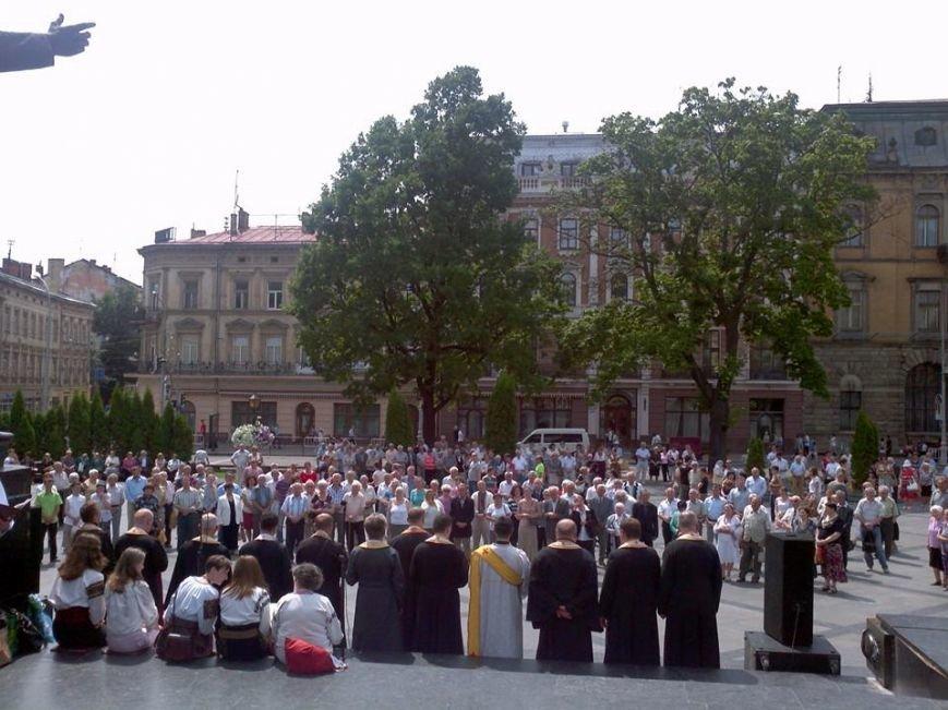 У Львові масово помолились за здоров'я українських військових у зоні АТО, фото-3