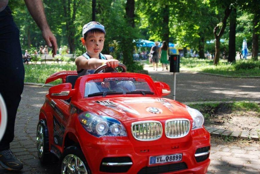 Перед Франковим університетом «Червоні носики» зберуть гроші для важкохворих малюків (фоторепортаж), фото-7