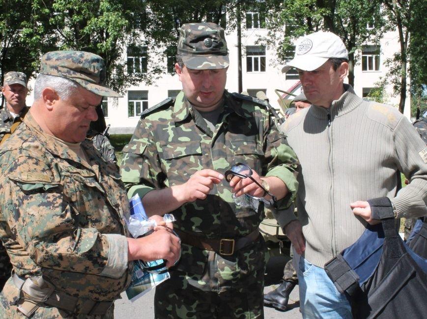 Бронежилеты из Чернигова отправились украинским военнослужащим на Донбасс, фото-2