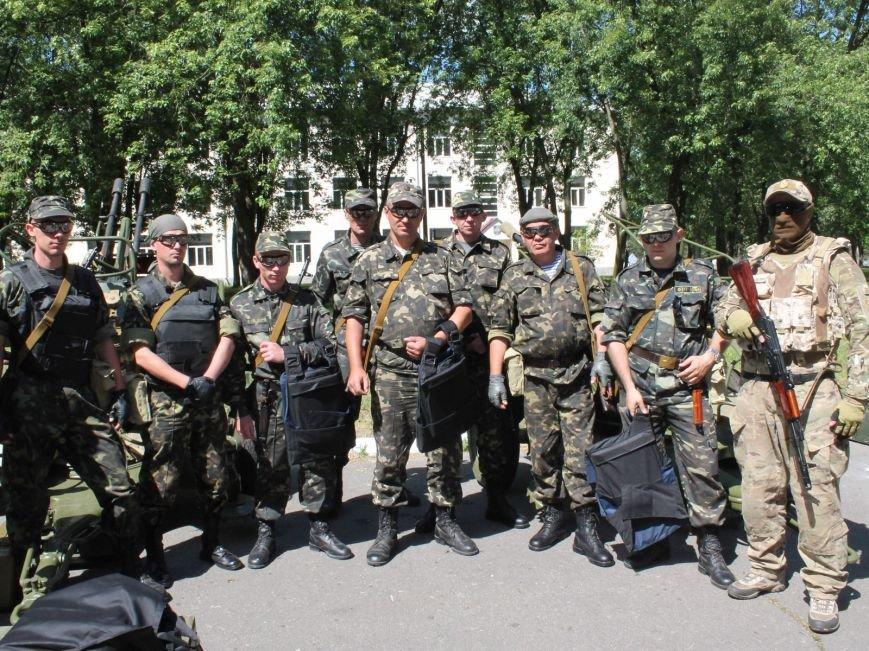 Бронежилеты из Чернигова отправились украинским военнослужащим на Донбасс, фото-3