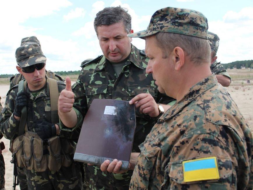 Бронежилеты из Чернигова отправились украинским военнослужащим на Донбасс, фото-4