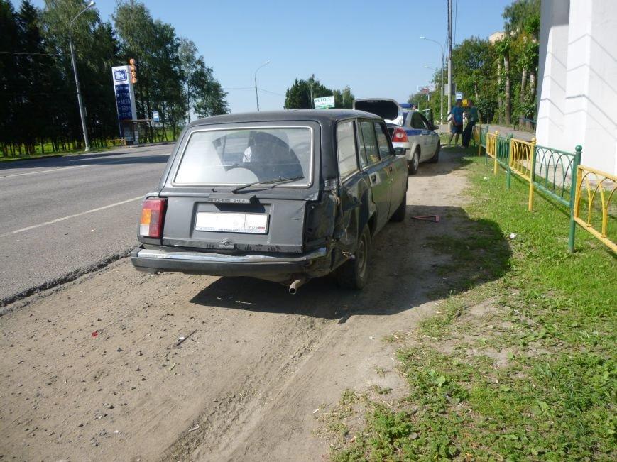 На 36-м км Калужского шоссе Lexus въехал в жигули, фото-1
