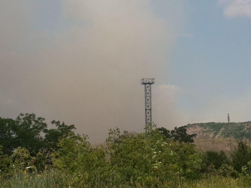 В Мариуполе горит не свалка, а трава (ФОТО), фото-2