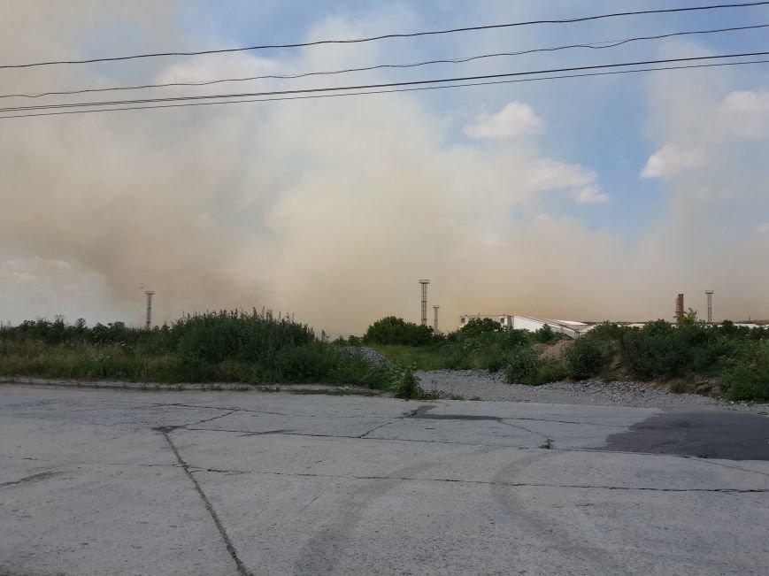 В Мариуполе горит не свалка, а трава (ФОТО), фото-1