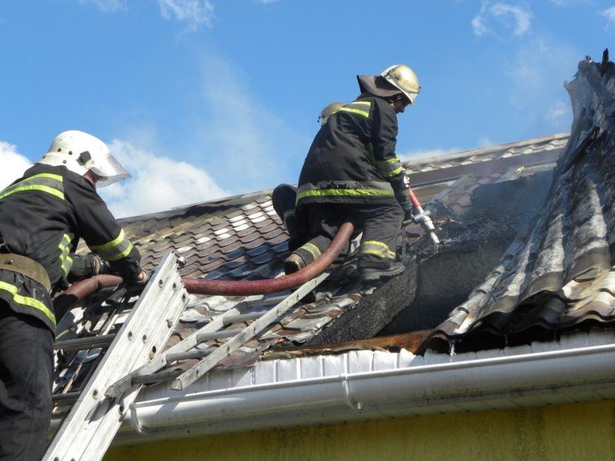 В Чернигове пожарные спасли от огня жителей многоквартирного дома, фото-1