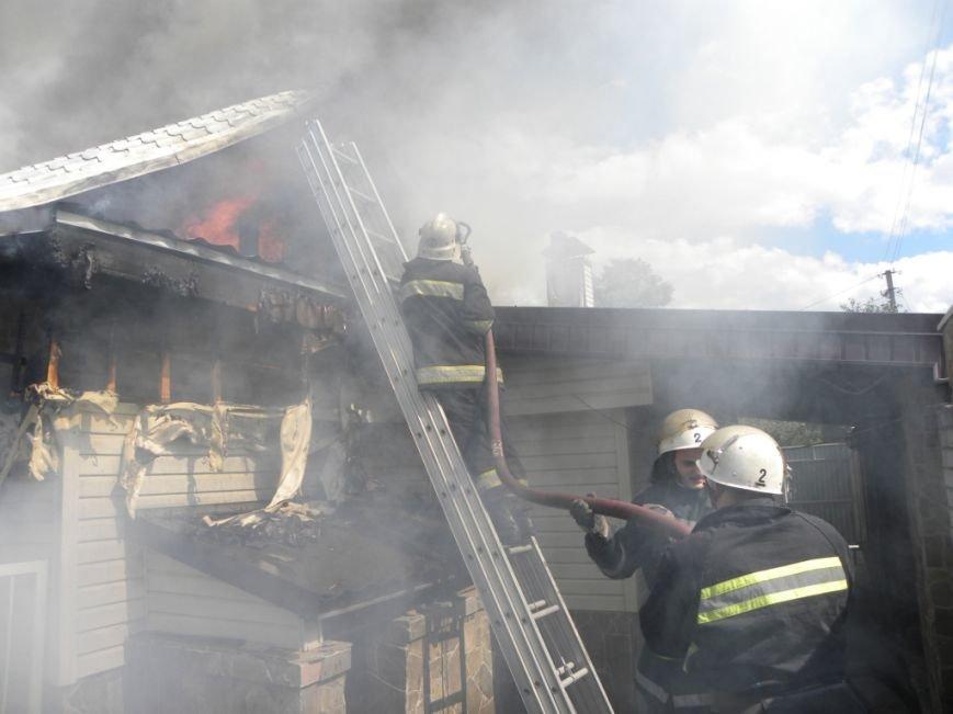 В Чернигове пожарные спасли от огня жителей многоквартирного дома, фото-2