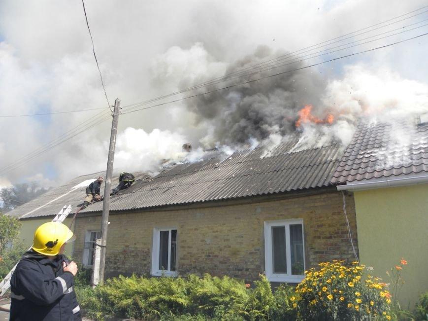 В Чернигове пожарные спасли от огня жителей многоквартирного дома, фото-3