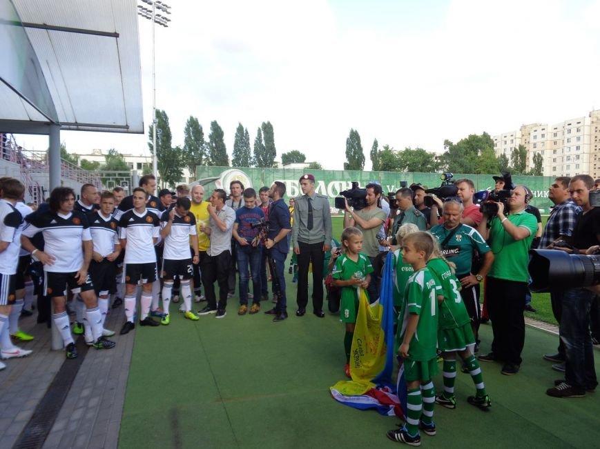 Мариупольский певец Кривошапко начал играть в футбол ради мира в Украине, фото-3