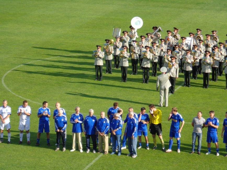 Мариупольский певец Кривошапко начал играть в футбол ради мира в Украине, фото-2
