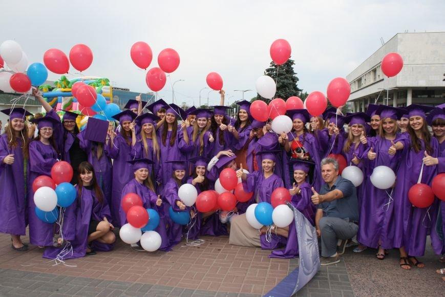 Выпускники УлГПУ впервые приняли участие в шествии, фото-3