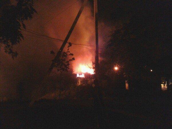 В Мариуполе на Левобережье горел металлический контейнер (Фотофакт), фото-1