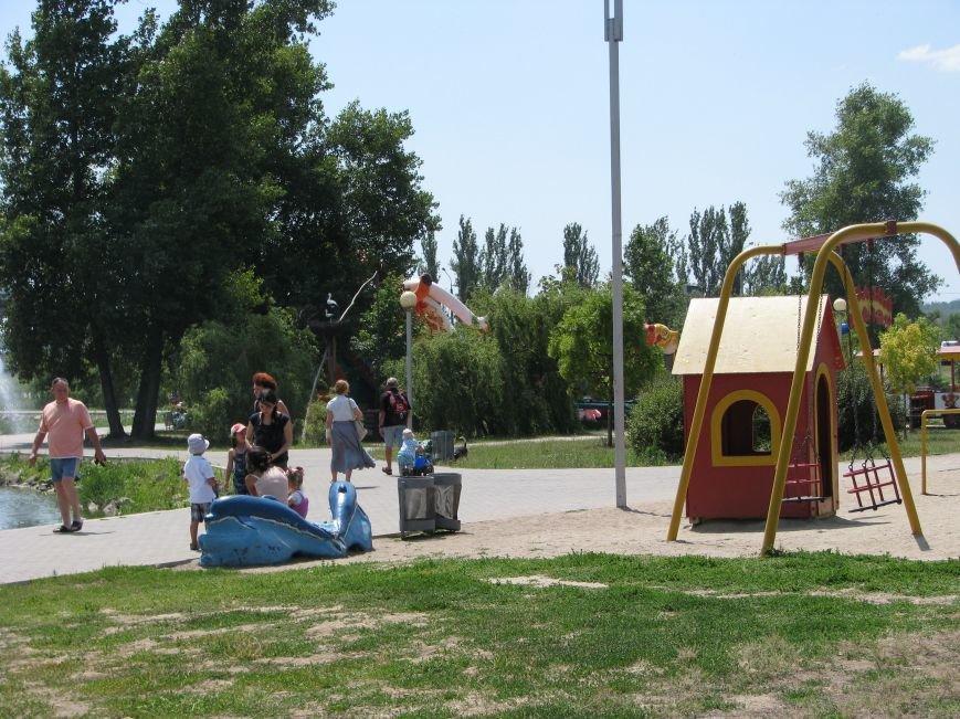 Вознесеновский парк: борьба с алкоголем и футбольные баталии на большом экране, фото-1