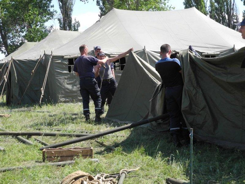 На Харьковщине создали палаточный городок для переселенцев с Донбасса, фото-1