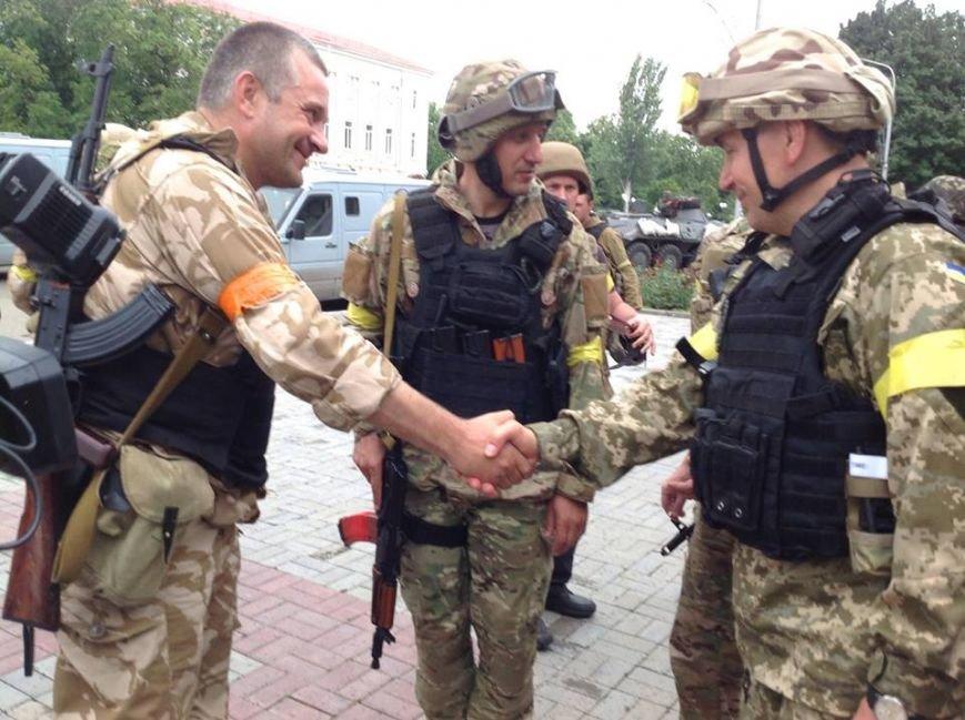 Артемовск под контролем украинских силовиков: в город вошла тяжелая техника (ФОТО + ВИДЕО), фото-7