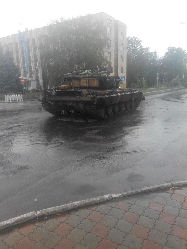 Артемовск под контролем украинских силовиков: в город вошла тяжелая техника (ФОТО + ВИДЕО), фото-3