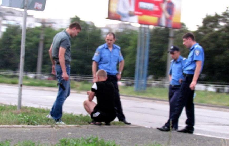 В Мариуполе  милиционеры  поймали  любителя золотых украшений (Фотофакт, дополнено), фото-3