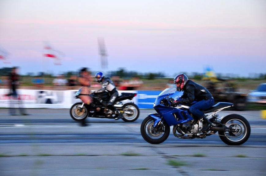 ФОТОРЕПОРТАЖ: В Запорожье байкеры сразились с автогонщиками, фото-2