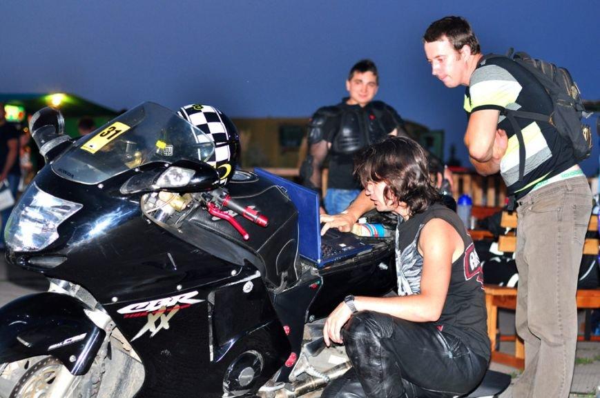 ФОТОРЕПОРТАЖ: В Запорожье байкеры сразились с автогонщиками, фото-25