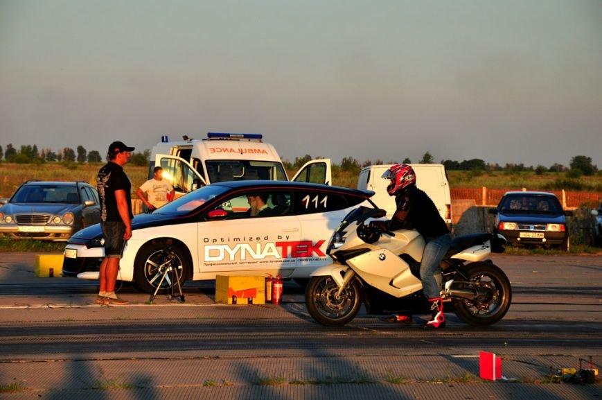 ФОТОРЕПОРТАЖ: В Запорожье байкеры сразились с автогонщиками, фото-1