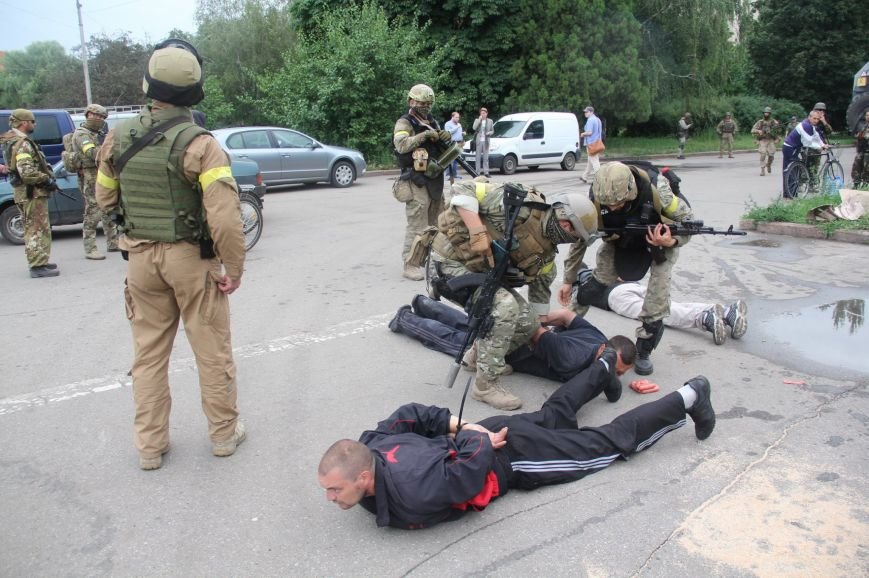 В Славянске двух российских боевиков поймали с помощью сосисок, фото-1
