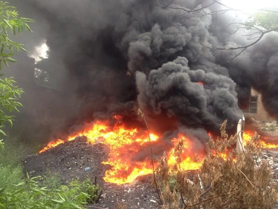 Пожар в центре Донецка сильно напугал людей, но оснований для паники нет (ФОТО), фото-1