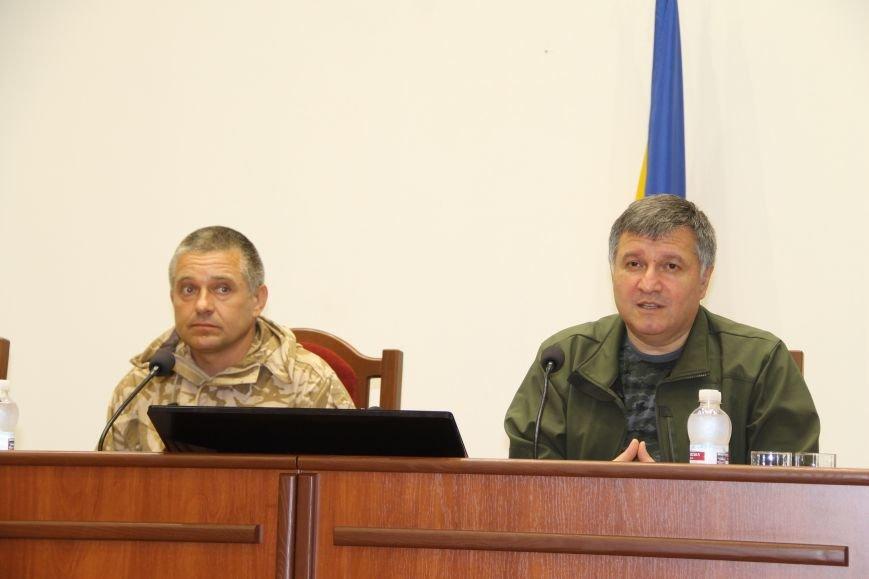 Президент Порошенко назначил комбата Константина Матейченко главой Артемовской райгосадминистрации (ВИДЕО), фото-1