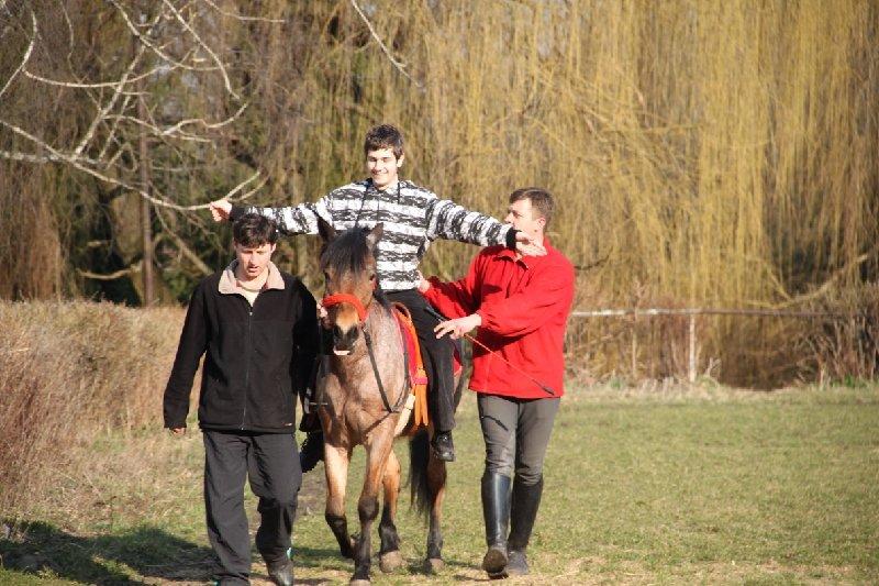 У Львові неповносправних діток лікують коні (фоторепортаж), фото-4