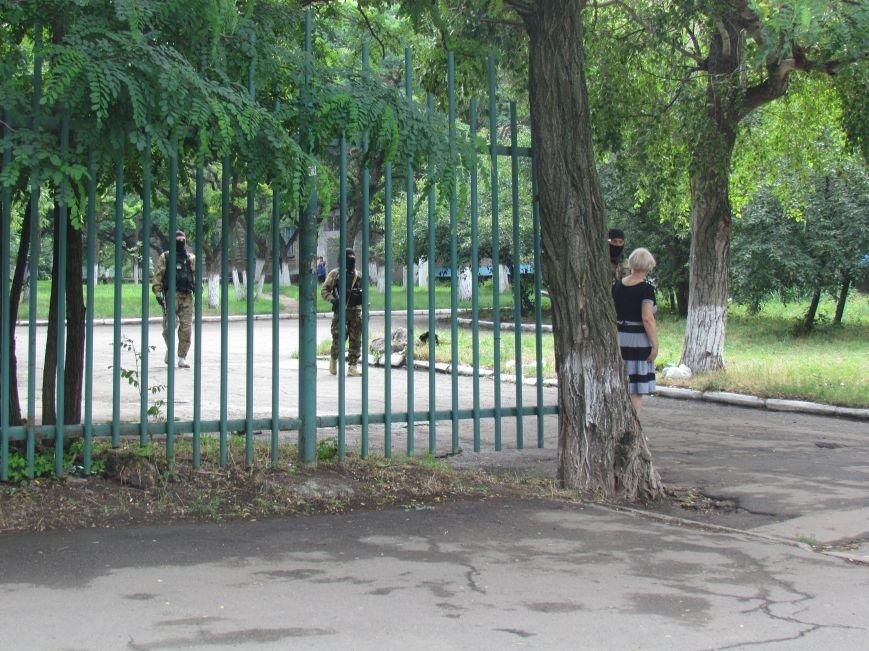 В Мариуполе «черные человечки» обещали защищать город  (Фоторепортаж), фото-6