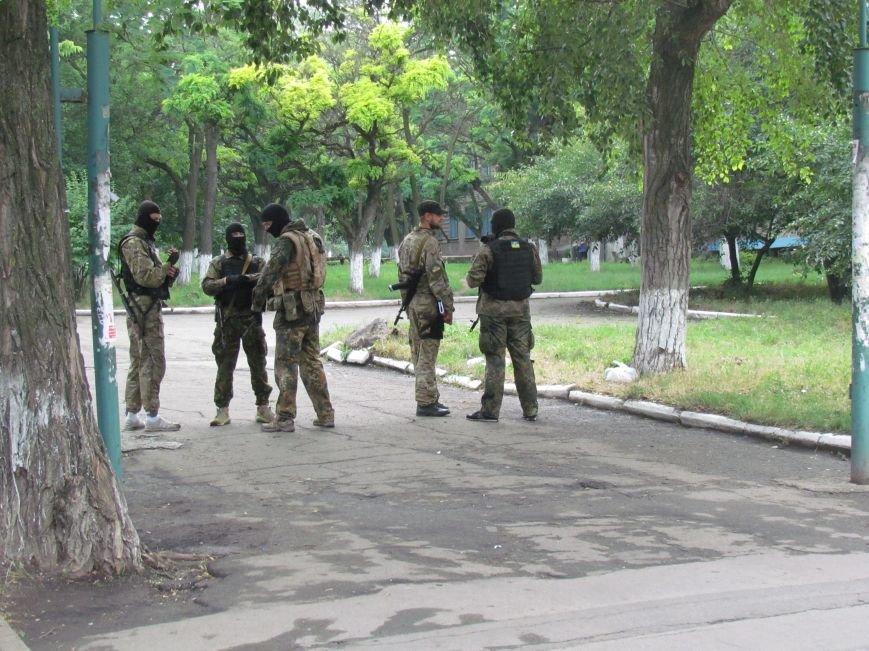 В Мариуполе «черные человечки» обещали защищать город  (Фоторепортаж), фото-7